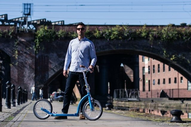 不需石油或電池的Swifty Scooters沒有噪音也沒有廢氣排放污染問題,並擁有時髦出眾外型與輕巧好操控特性。