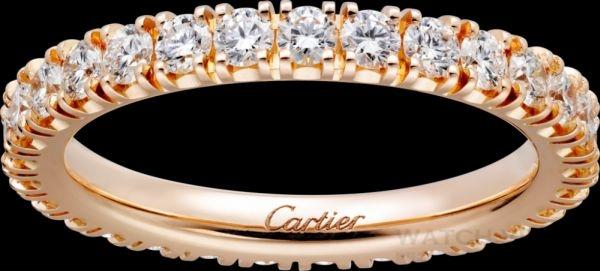 卡地亞經典結婚單排鑽石對戒,經典結婚對戒,寬3.27毫米,18K玫瑰金,鑲嵌22顆圓形明亮式切割鑽石,總重1.35克拉。參考價格約NT$ 305,000
