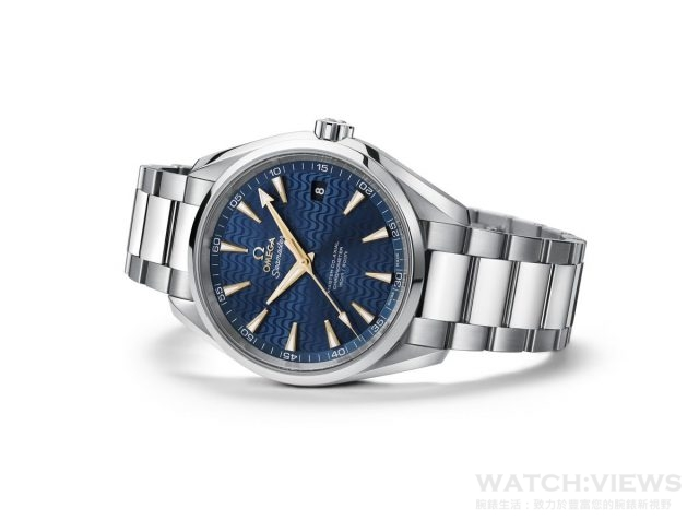 OMEGA推出全新SEAMASTER海馬AQUA TERRA特別版腕錶 (藍色) 型號: 231.10.42.21.03.006   價格: $ 187,300 此系列腕錶41.5毫米錶殼是採用拋光及磨砂不鏽鋼材質,搭配不鏽鋼錶鏈,錶的背面為抗磨損藍寶石水晶,可一覽無遺歐米茄8500大師同軸擒縱機芯的風采,此機芯能夠抵抗15,000高斯以上的磁力。藍色錶盤上,並設有18K金時標及指針,象徵著體育成就的頂峰。 海馬Aqua Terra腕錶的防水深度高達15巴(150米/500呎),且提供4年保固。三款全新腕錶均將於今年八月在OMEGA名品店販售。