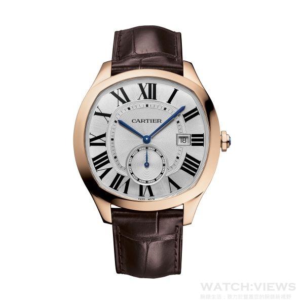 Drive de Cartier系列玫瑰K金腕錶,卡地亞1904-PS MC型工作坊精製自動上鏈機械機芯、18K玫瑰金錶殼、白色扭索雕紋錶盤、棕色鱷魚皮錶帶,參考價格約NT$ 625,000