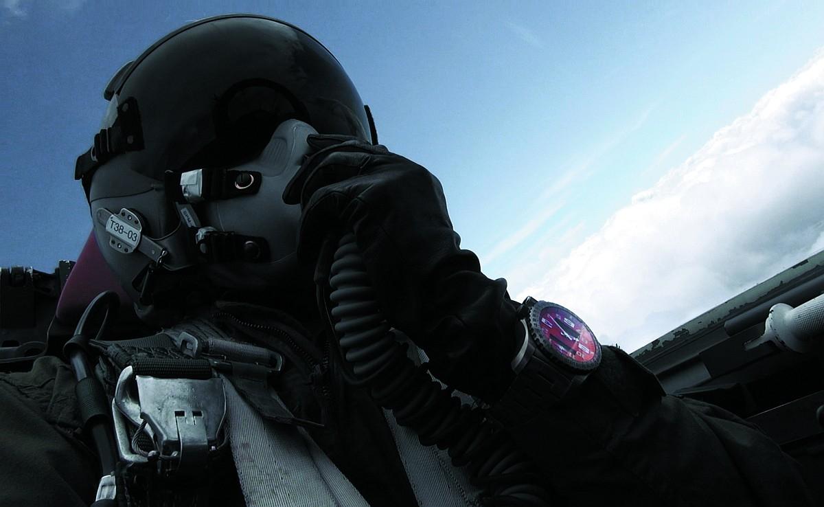 世界首款雙頻定位信號緊急求救腕錶—百年靈Emergency II緊急求救腕錶二代,7/10起於元亨利鐘錶展出