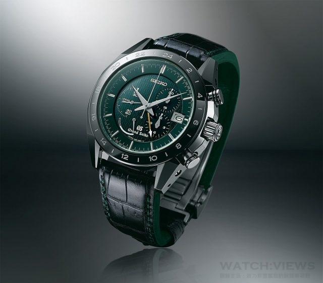 Spring Drive GMT計時碼錶 型號SBGC017,高密度鈦金屬及陶瓷錶殼,直徑46.4毫米,時、分、秒、日期、計時碼錶、GMT 功能,9R96自動上鍊機芯,動力儲存72小時,藍寶石水晶鏡面,透視背蓋,防水100米,抗磁4,800 A/m,鱷魚皮錶帶,限量600只,建議售價NTD428,000。