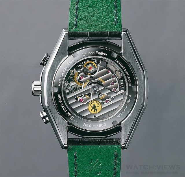 Spring Drive GMT計時碼錶(型號SBGC017)搭載9R96自動上鍊機芯,動力儲存72小時。