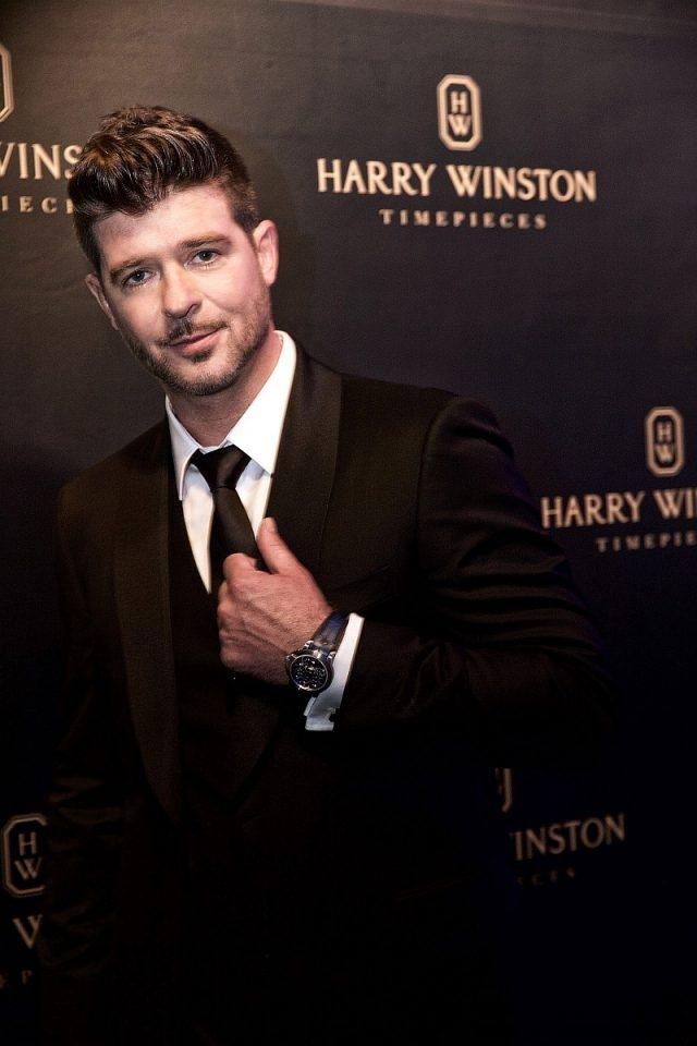 海瑞溫斯頓腕錶系列全球形象大使——羅賓•西克(Robin Thicke),配戴Project Z腕錶,帥氣滿溢。