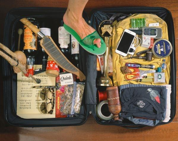 這是黃連煜的行李箱,相當隨性。