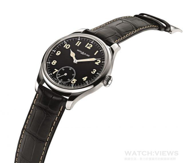 萬寶龍1858系列小秒針腕錶限量款不鏽鋼錶殼,錶徑44毫米,時、分、小秒針,MB23.03手上鍊機芯,藍寶石水晶鏡面、底蓋,防水30米。限量858只,建議售價:NTD106,200。