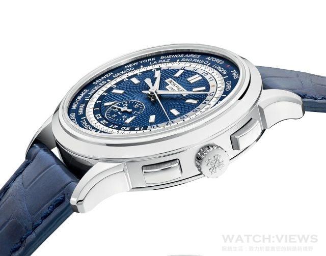 率先問世的5930G世界時區計時 腕錶備有39.5毫米18K白金錶殼, 錶耳外型有如飛機小翼,這是1940 及與50年代世界時間腕錶主要的設 計元素;錶面則選用海軍藍色。
