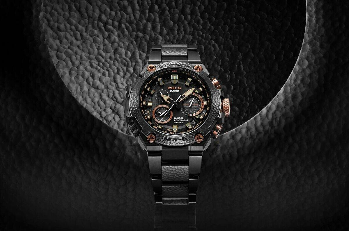 完美結合鎚起工藝與先進技術:CASIO G-SHOCK MR-G 20周年紀念錶款