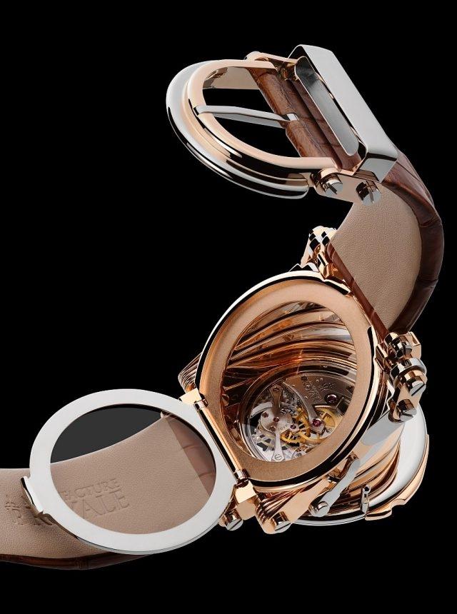 Opera備有專利鉸接式錶殼,差可比擬古老風琴的獨特開闔動作,報時聲因此清越繚亮。