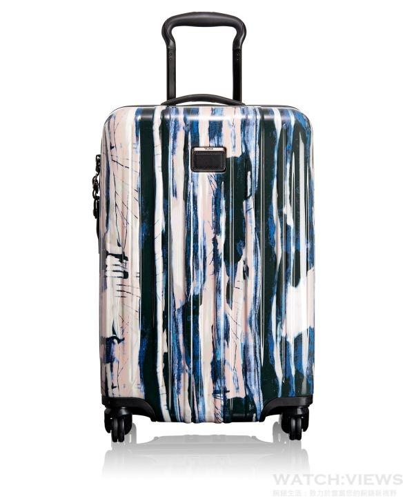 TUMI V3 20吋四輪行李箱,參考價NTD16,500