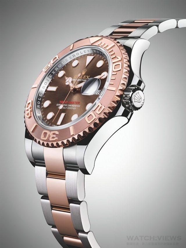 Yacht-Master 腕錶錶帶配搭904L 鋼與18 ct 永恒玫瑰金實心鏈節蠔式錶帶,錶帶配備蠔式保險扣,防止帶扣意外打開。