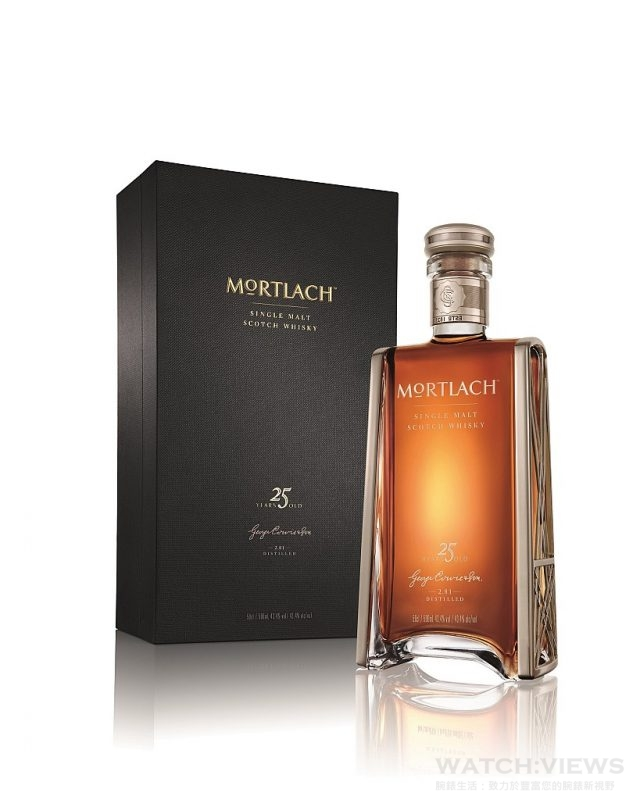MORTLACH慕赫2.81 25年蘇格蘭單一麥芽威士忌於全台指定酒類專賣店,以及精選頂級酒吧和五星級飯店限量發售,臻藏價:$28,000元。