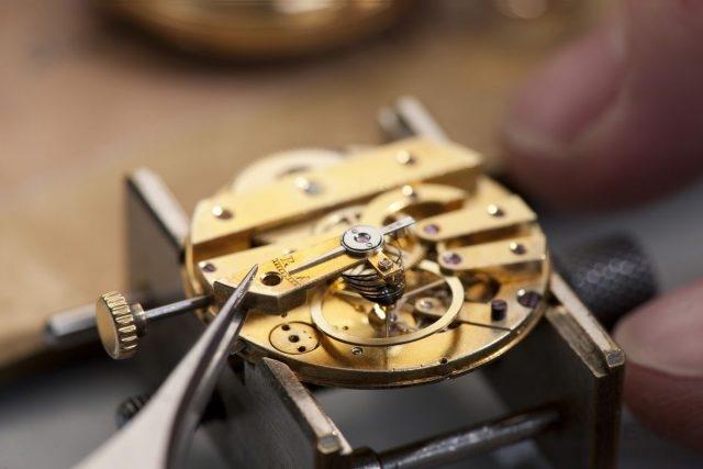 pendant_watch_restoration_eveline_perroud_5