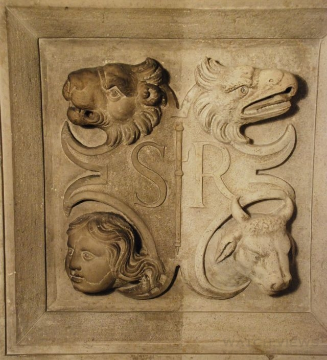 stone_doorway_restoration_chapter_hall_scuola_grande_di_san_rocco-credit_monica_vial_and_renzo_benedetti_2