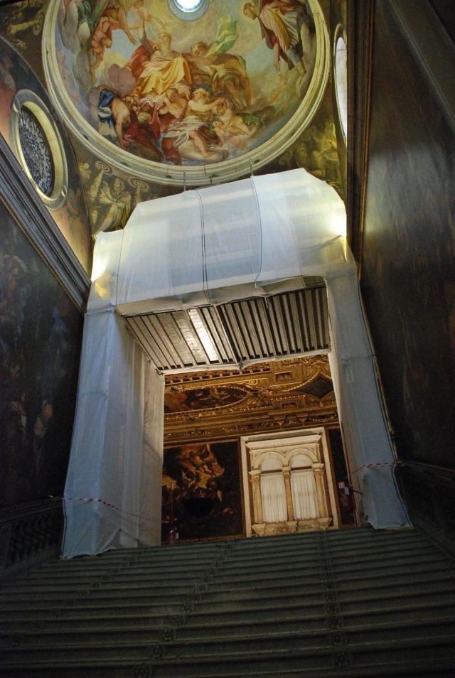 stone_doorway_restoration_chapter_hall_scuola_grande_di_san_rocco-credit_monica_vial_and_renzo_benedetti_9