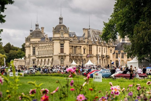為期兩天的Chantilly Arts & Elegance Richard Mille尚蒂伊古董車大展在美景如畫的尚蒂伊城堡舉行。
