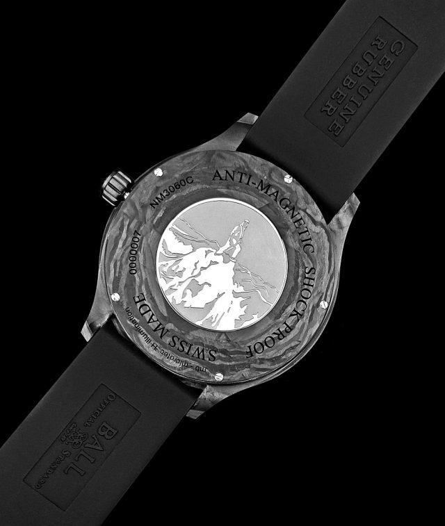 火山和磁場之間的聯繫,喚起了BALL Watch的注意,設法為腕錶提供更強的防磁保護。Engineer II Volcano的錶背鐫刻有人類探險火山的圖像。