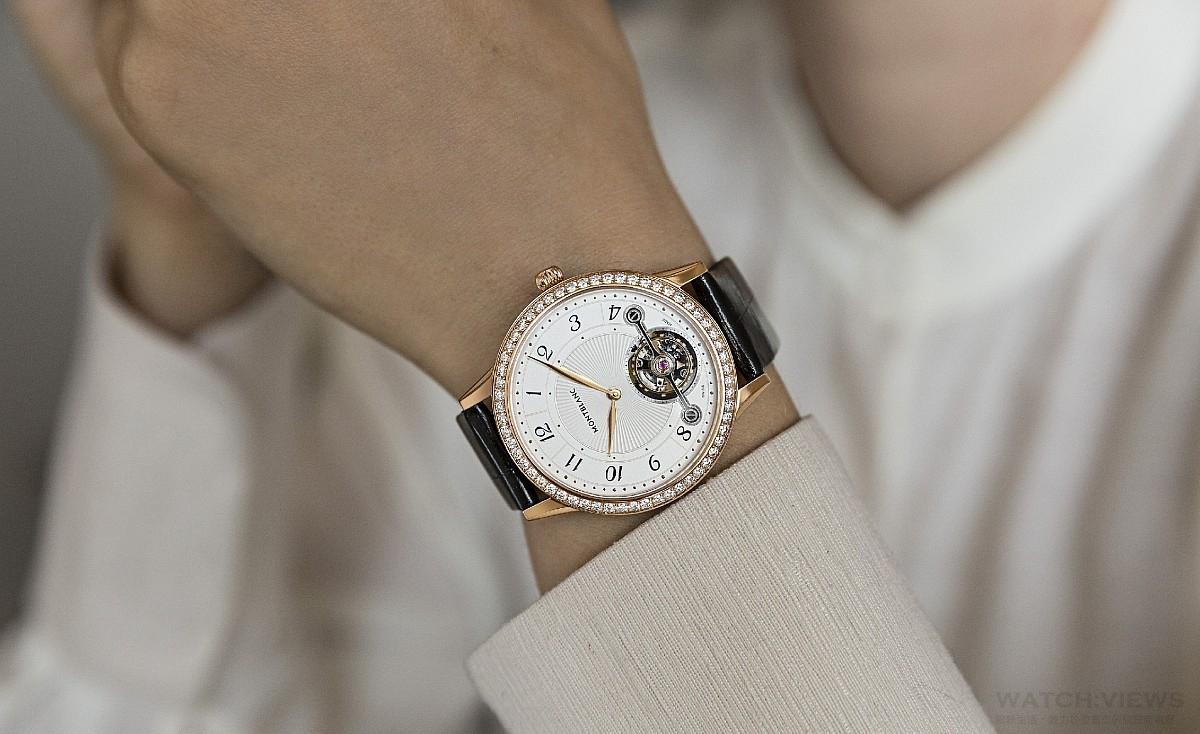 禮讚女性魅力、自信與風格:萬寶龍發表全新Bohème寶曦系列外置陀飛輪超薄腕錶