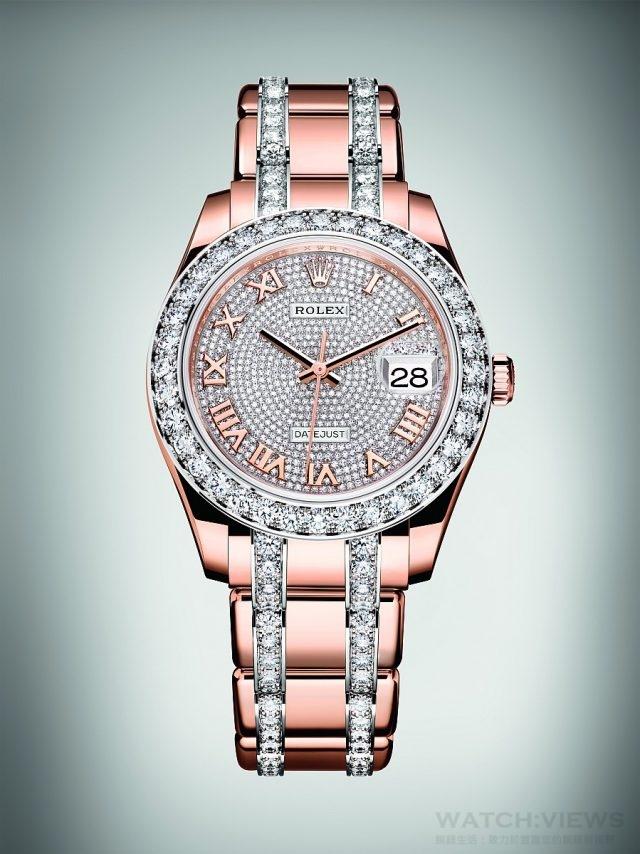 Pearlmaster 39的 錶帶以實心18 ct 金鏈節製成,線條優美,使腕錶別具魅力,亦令人佩戴舒適。錶帶裝配有隱蔽式皇冠帶扣,既優雅,且實用。