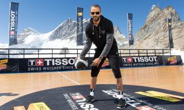 天梭表全球大使 Tony Parker 在歐洲之巔少女峰上展現不凡球技