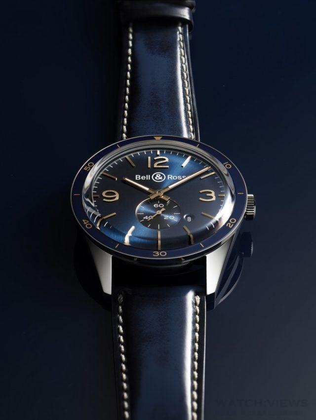 Vintage BR 123 Aeronavale不鏽鋼錶殼,錶徑43毫米,固定式精鋼錶圈,帶藍色陽極氧化鋁環,時針、分針、6點鐘位置小秒針、日期,BR-CAL.305自動上鍊機芯,藍寶石水晶玻璃錶鏡,防水100米,藍色小牛皮(帶淡褐色縫線),建議售價NTD103,600。