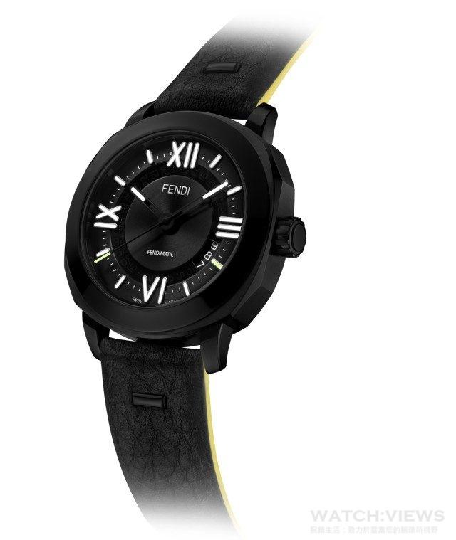 Fendi男裝腕錶型號F820011011,黑色不銹鋼錶殼,直徑42mm,時、分、針、日期瑞士製造自動機芯,38小時動力儲存,可輕易更換錶帶的錶背開口藍寶石水晶玻璃及底蓋,黑色錶盤搭配白色夜光羅馬數字、黃色和白色夜光時標,日期窗位於4點鐘位置,黑色指針,分針和時針飾白色夜光標記,秒針是黃色夜光標記,防水100公尺,隨附三條可換式錶帶:黑色FENDI Cuoio Romano皮革錶帶、帶有織布裝飾的黑色小牛皮錶配黑色不銹鋼針扣、黑色鱷魚皮錶帶配黑色不銹鋼折疊扣,建議售價NTD 99,000。