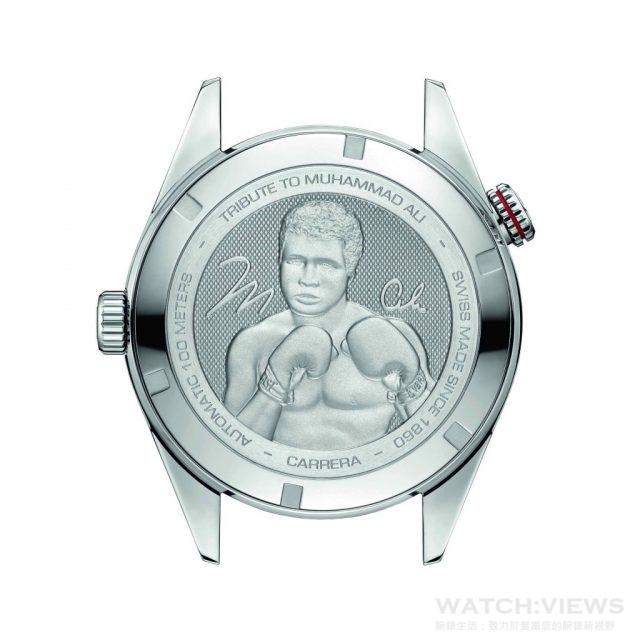 """TAG Heuer CARRERA Calibre 5 """"RING MASTER""""拳王阿里特別紀念版腕錶的錶背面鐫刻有拳王阿里肖像及「Tribute to Muhammad Ali」(向穆罕默德·阿里致敬)特別字樣。"""