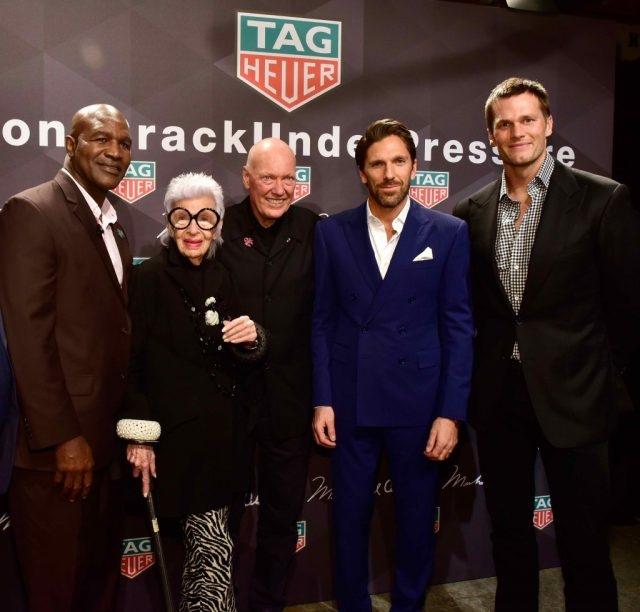 左起依序為職業拳擊手Evander Holyfield、TAG Heuer品牌之友Iris Apfel、TAG Heuer執行長Jean-Claude Biver