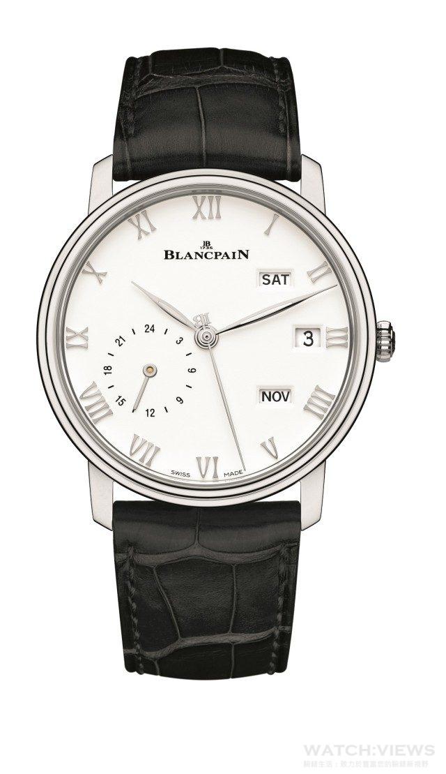 BLANCPAIN兩地時區年曆腕錶不鏽鋼錶殼,白色錶盤,直徑40毫米,藍寶石水晶底蓋,防水30米,6054F型自動上鍊機芯,72小時動力儲存,大三針指示,年曆顯示,雙時區顯示,錶耳下方隱藏式調校,短吻鱷魚皮錶帶,建議售價NTD870,000。