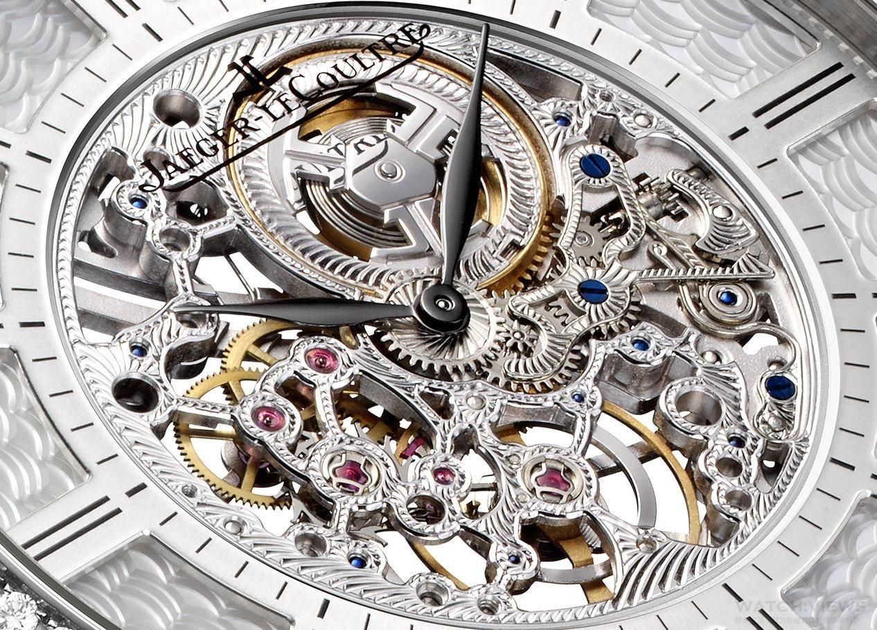 淋漓盡致的工藝:積家常春藤三問與超薄鏤空腕錶