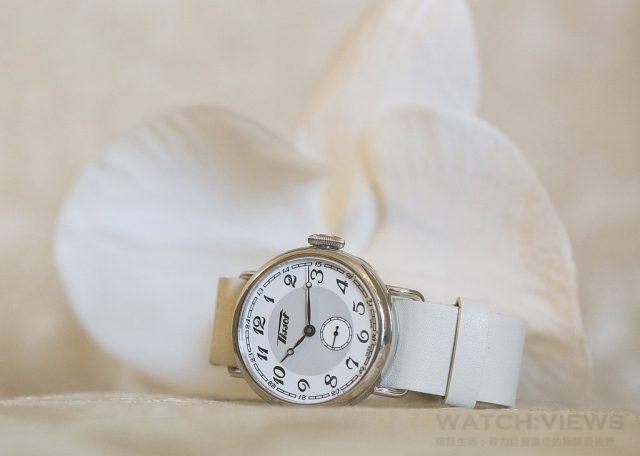 天梭1936經典復刻女款腕錶瑞士製ETA2895-2自動機芯,316L精鋼錶殼及透明錶後蓋,抗刮傷藍寶石水晶玻璃錶鏡,防水50米,皮革錶帶,搭配標準錶扣,錶徑36毫米,建議售價NTD31,700。