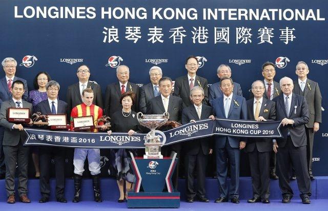 2016 浪琴表全球最佳騎士莫雅 Ryan Moore獲頒浪琴表香港盃冠軍