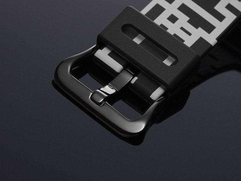 錶扣及按鈕利用黑色IP處理完成