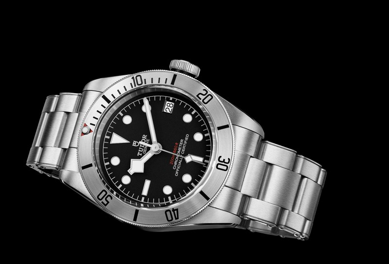 【2017巴塞爾報導】帝舵經典Heritage Black Bay潛水錶全新推出精鋼錶款,首次搭載日曆功能