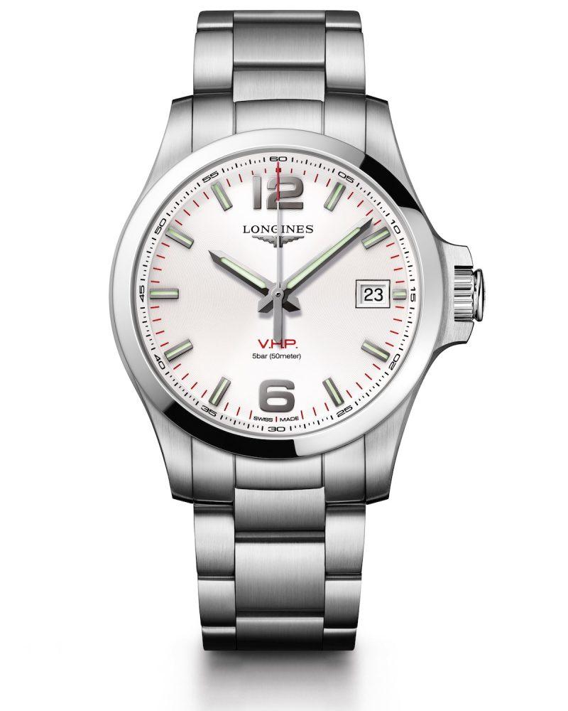 征服者系列V.H.P.大三針腕錶,不鏽鋼錶殼,錶徑43毫米,時、分、秒、日期萬年曆、智慧錶冠、GPD齒輪位置偵測系統、智慧錶冠、省電模式、E.O.L.動力警示,石英機芯,防水50米,不鏽鋼鍊帶,參考售價:NTD 34,200。
