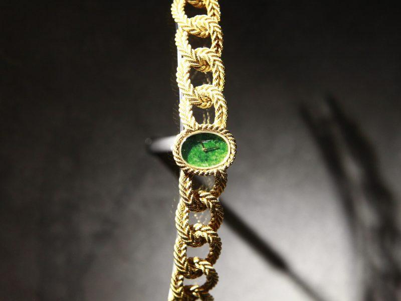 愛彼1971年的18K黃金女士腕錶。