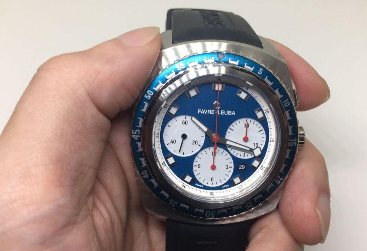 Raider系列Sea Sky Blue腕錶,不鏽鋼錶殼,錶徑44毫米,時、分、小秒針、日期、計時碼錶、單向旋轉錶圈、夜光指針及時標,自動上鍊機芯,藍寶石水晶玻璃鏡面,防水200米,橡膠錶帶,參考售價:NTD 133,000。