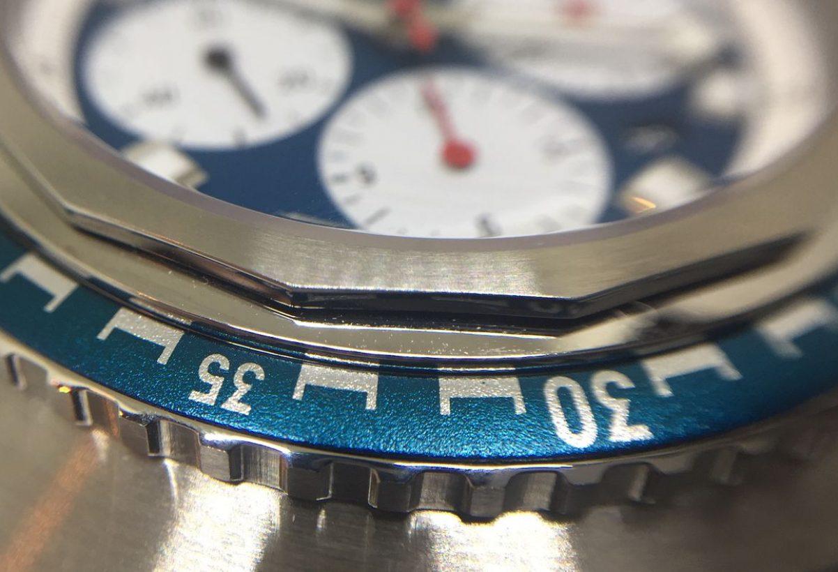 錶圈內側採14邊形設計,如同Favre Leuba的歷史錶款。