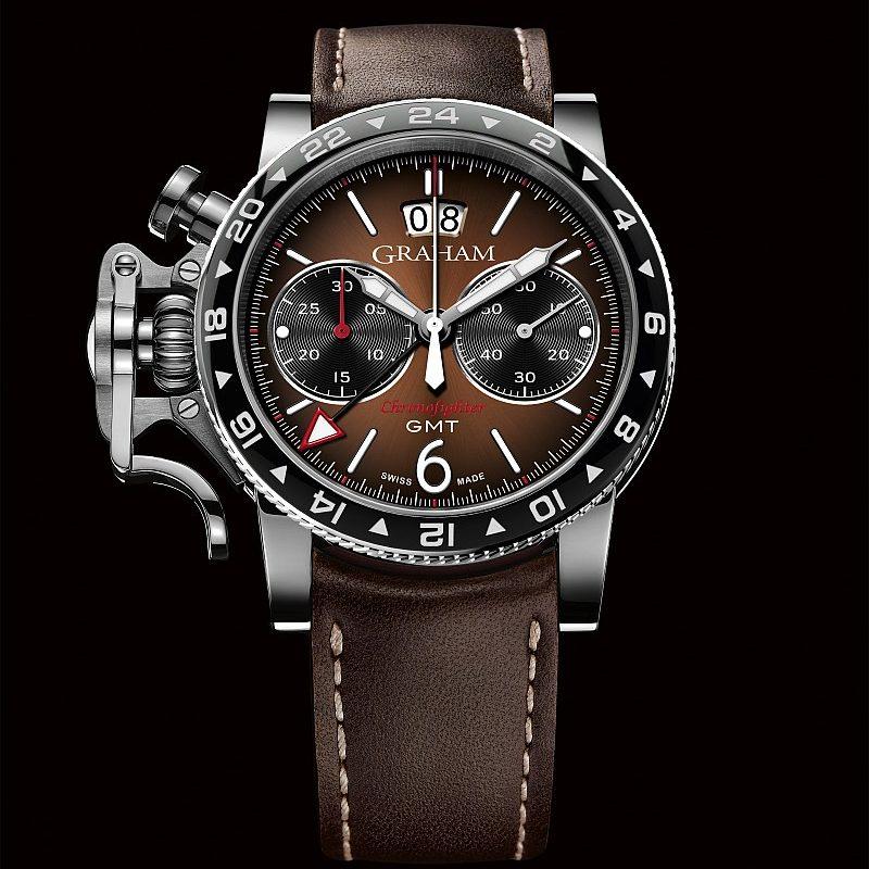 Graham Chronofighter Vintage GMT腕錶,棕色太陽放射狀飾紋錶盤,手縫棕色小牛皮錶帶,建議售價NTD248,000。