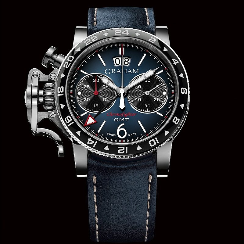 Graham Chronofighter Vintage GMT腕錶,藍色太陽放射狀飾紋錶盤,手縫藍色小牛皮錶帶,建議售價NTD248,000。