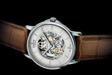 如影隨時:EDOX 薄曼雙鏤空自動錶