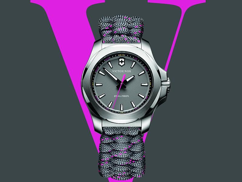 最適合現代女性的腕錶:Victorinox瑞士維氏I.N.O.X. V腕錶