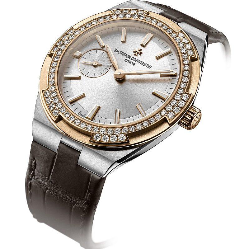 Overseas 小型號(鑲鑽款),精鋼和18K 5N粉紅金雙色版,錶徑37毫米,錶圈鑲嵌84顆圓鑽,建議售價NTD914,000。