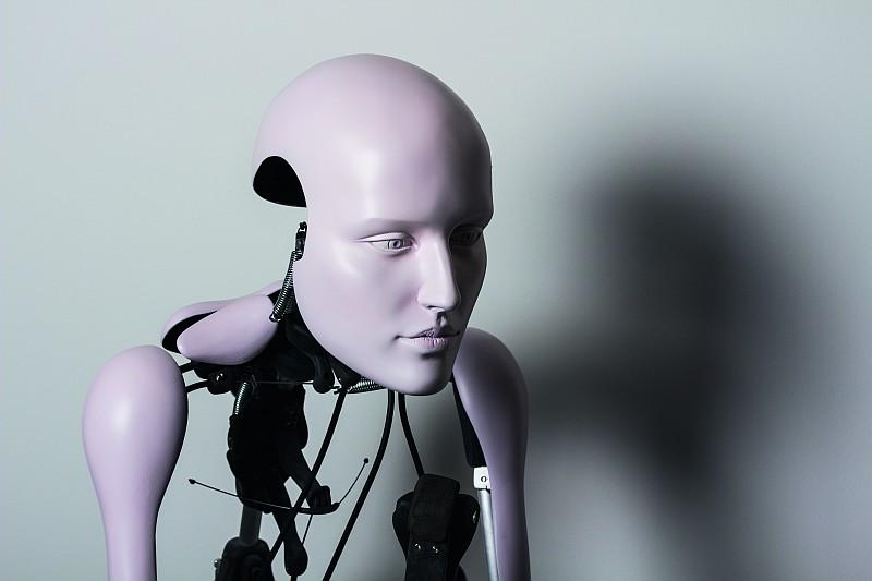 視覺震撼饗宴:Server Demirtaş「Desiring-Machines 」系列作品現正於日內瓦 M.A.D.Gallery展出