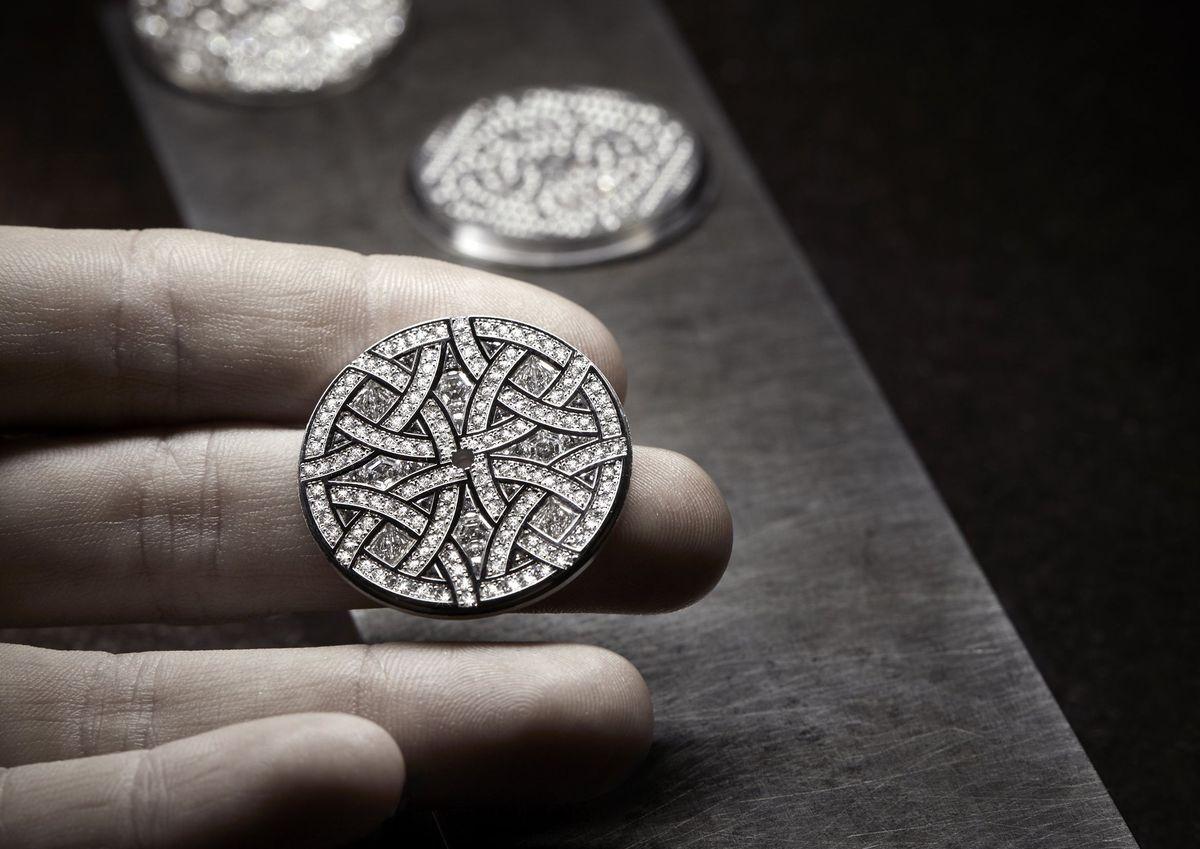 錶盤上的回憶:Chanel工藝背後的故事