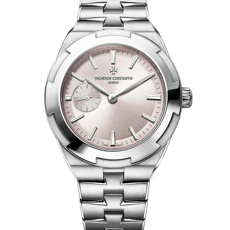 2Overseas 小型號全精鋼版本,錶徑37毫米,玫瑰粉色錶盤,建議售價NTD634,000。