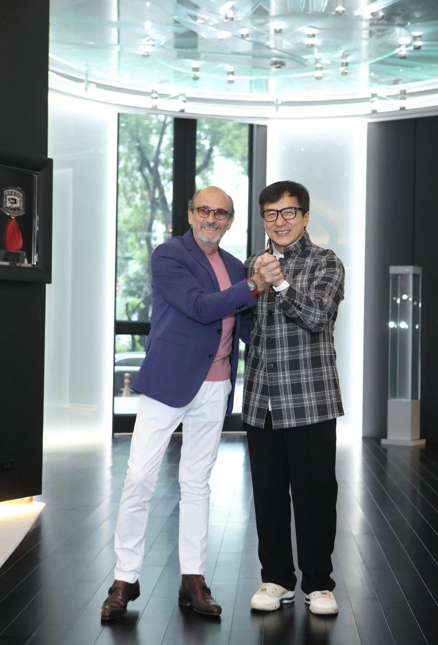 (左)品牌創辦人Richard Mille (右)成龍