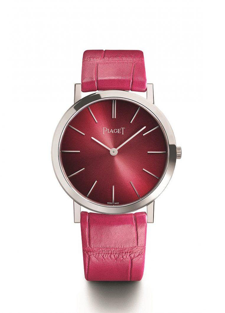 Altiplano 60週年限量腕錶,18K白金錶殼,錶徑34毫米,時、分,430P手動上鍊機芯,厚度2.1毫米,動力儲存43小時,藍寶石水晶玻璃鏡面,鱷魚皮錶帶,全球限量360只,參考售價:NTD 570,000。