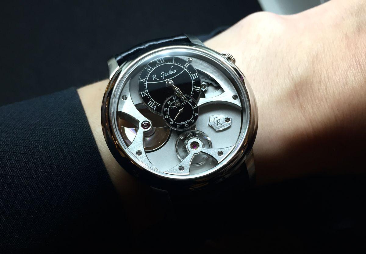 簡單時計背後的最高標準