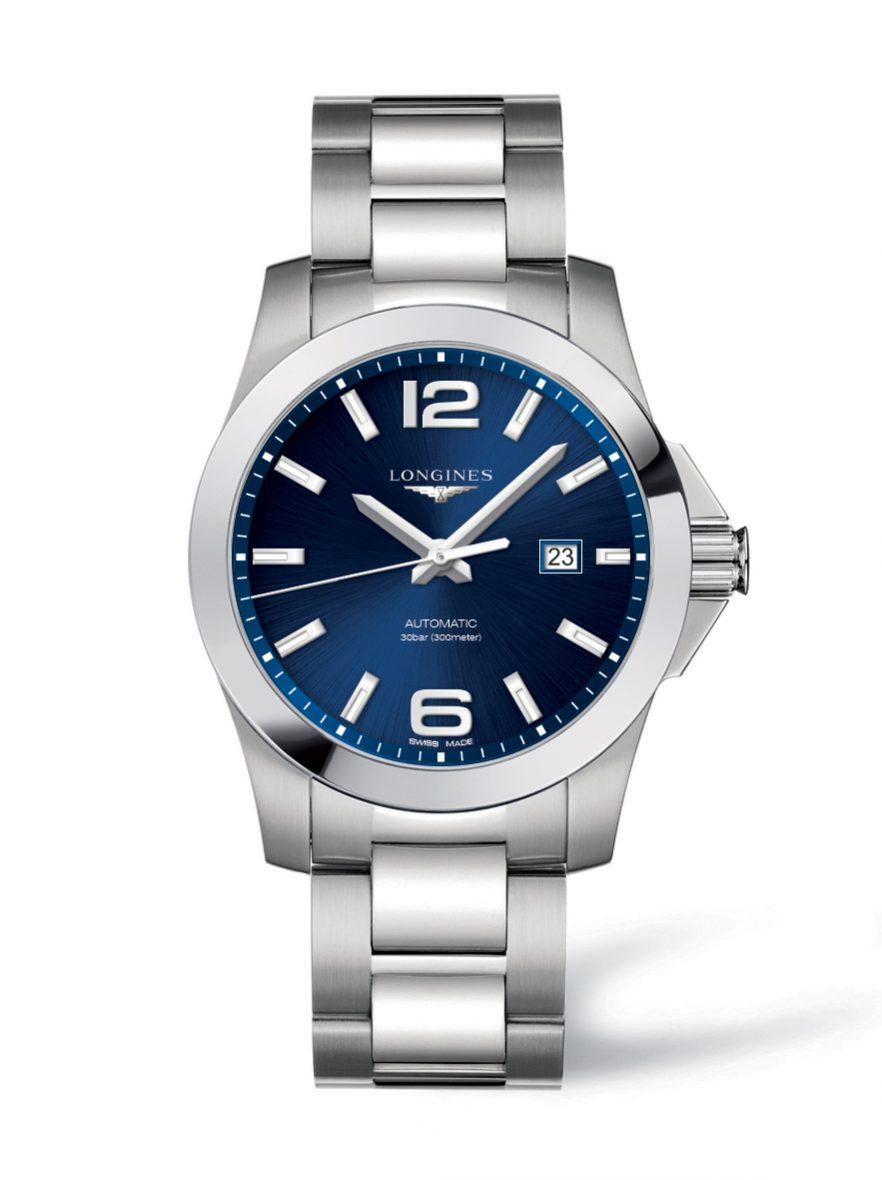 征服者系列腕錶,不鏽鋼錶殼,錶徑43毫米,時、分、秒、日期,L888自動上鍊機芯,動力儲存64小時,藍寶石水晶玻璃鏡面,防水300米,不鏽鋼鍊帶,另有白色錶盤款,參考售價:NTD 38,000。